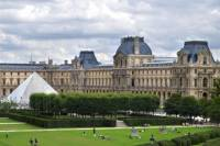 2-Day Independent Paris Tour with Optional Louvre Museum and Hop-On Hop-Off Seine River Cruise