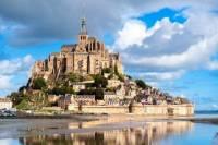 2-Day Mont St-Michel and Loire Valley Castles Tour from Paris