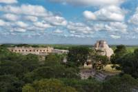 2-Day Yucatan Overview Tour Including Chichen Itza and Merida