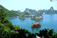 3-Day Hanoi and Halong Tour Including Overnight Cruise