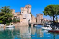 4-Day Italian Lakes and Verona Tour from Milan