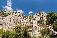Barcelona and Montserrat Tour with Skip-the-Line Park Güell Entry and Hotel or Port Pickup