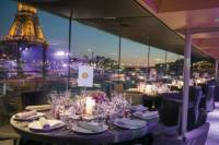 Bateaux Parisiens Christmas Seine River Cruise with 6-Course Meal and Live Music