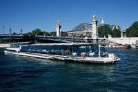Bateaux Parisiens Seine River Cruise with Lunch and Live Music