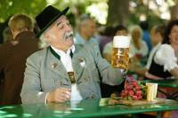 Behind-the-Scenes Paulaner Brewery and Beer Tour in Munich