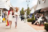 Bicester Village Shopping Trip from London: Gift Card, Lunch and VIP Discounts