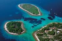 Blue Lagoon and Trogir Tour from Split by Speedboat