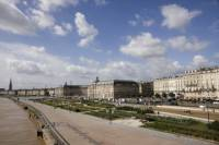 Bordeaux Sightseeing Bus and Walking Tour
