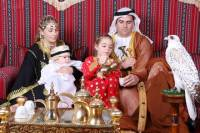 Central Market Souk Walking Tour and UAE Costume Photography Experience