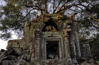 Day Trip to Beng Mealea Temple and Kampong Kleang from Siem Reap