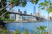 DUMBO Brooklyn Tour: Art-Culture-Coffee-Wine with Optional Brooklyn Bridge Walk