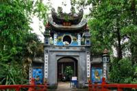 Explore Hanoi with Cyclo Ride and Water Puppet Show