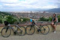 Florence Bike Tour with Visit to a Tuscan Villa and Light Lunch