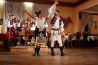 Folklore Christmas Evening Including Traditional Czech Dinner in Prague and Transfer