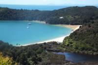 Full-Day Abel Tasman National Park Hiking Tour with Cruise