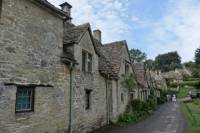 Full Day Cotswolds Highlight with Japanese-speaking Guide/ with Assistant