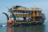 Full-Day Island Cruise from Sihanoukville Including Snorkeling and Buffet Lunch