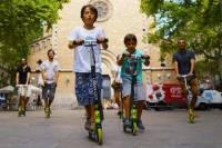Gràcia Neighborhood Scooter Family Tour in Barcelona