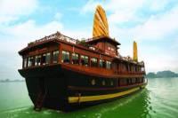 Halong Bay Shore Excursion: Halong Bay Cruise from Port