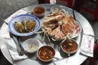 Hanoi Street Food Tour Including Seafood Hotpot Dinner