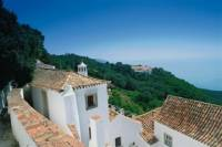 Historical and Natural Arrábida: Private Tour from Lisbon