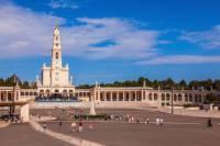 Historical and Religious Tour: Alcobaca, Batalha and Fatima