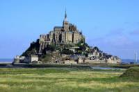 Independent Mont St-Michel Tour with Round-Trip Transport from Paris