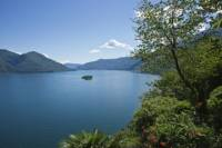 Lake Maggiore Day Trip by Train from Milan Including Cruise to Isola Bella and Isola dei Pescatori
