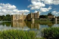 Leeds Castle, Canterbury Cathedral, Dover and Greenwich with Thames River Cruise Tour from London