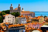 Lisbon Combo: City Walking Tour and Sunset Entertainment with Tapas