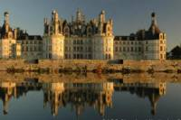 Loire Valley Castles Day Trip from Paris with Japanese Guide