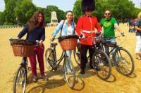 London Landmarks Bike Tour - with Local Guides - Historic Ale Pub and British Bicycles