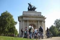 London Super Saver: Royal London Bike Tour plus Evening Walking Tour with Fish and Chips Dinner