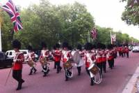 London Walking Tour Including Fast-Track Westminster Abbey Visit and Changing of the Guard