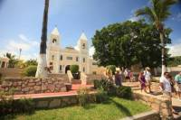 Los Cabos City Tour with Tequila Tasting and Semi-Submarine Ride