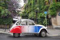 Off the Beaten Track Paris tour in 2CV