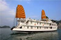 Overnight Halong Bay Cruise Including Transfer Service, and Kayaking or Bamboo Boat Activities
