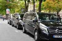 Paris airport Transfers by Minivan