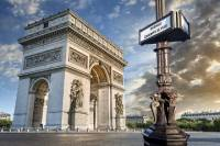 Paris Half Day Audio Pen City Tour and Sightseeing Cruise