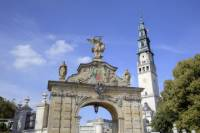Pieskowa Skala Castle and Czestochowa including the 'Black Madonna' Day Tour from Krakow