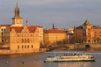 Prague Sightseeing Tour Including Vltava River Cruise