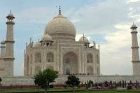 Private 3-Night Agra and Varanasi Tour from Delhi by Train