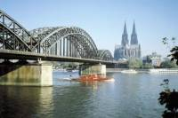 Private Arrival Transfer: Cologne Train Station to Hotel