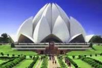 Private Delhi Tour: Lotus Temple, Qutub Minar and Dilli Haat