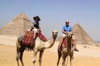 Private Guided Day Tour to the Giza Pyramids, Alabaster Mosque and Khan El khaili Bazaar in Cairo