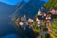 Private Luxury Transfer from Prague to Hallstatt with Wi-Fi and Refreshments