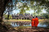 Private Tour: 3-Night Angkor Temples and Tonle Sap Lake by Tuk-Tuk