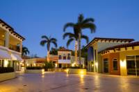 Private Tour: Aventura Mall and Sawgrass Mills Transport from Fort Lauderdale