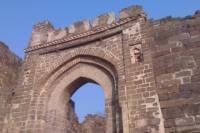 Private Tour: Ellora Caves, Daulatabad Fort, Bibi Ka Maqbara, Grishneshwar Jyotirling Temple and Panchakki from Aurangabad