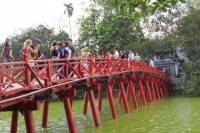 Private Tour: Hanoi Full-Day City Tour with Water Puppet Show